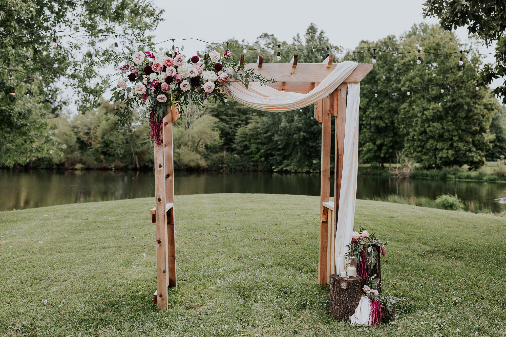 adventurous outdoor wedding southern indiana midwest wedding photographer floral arbor