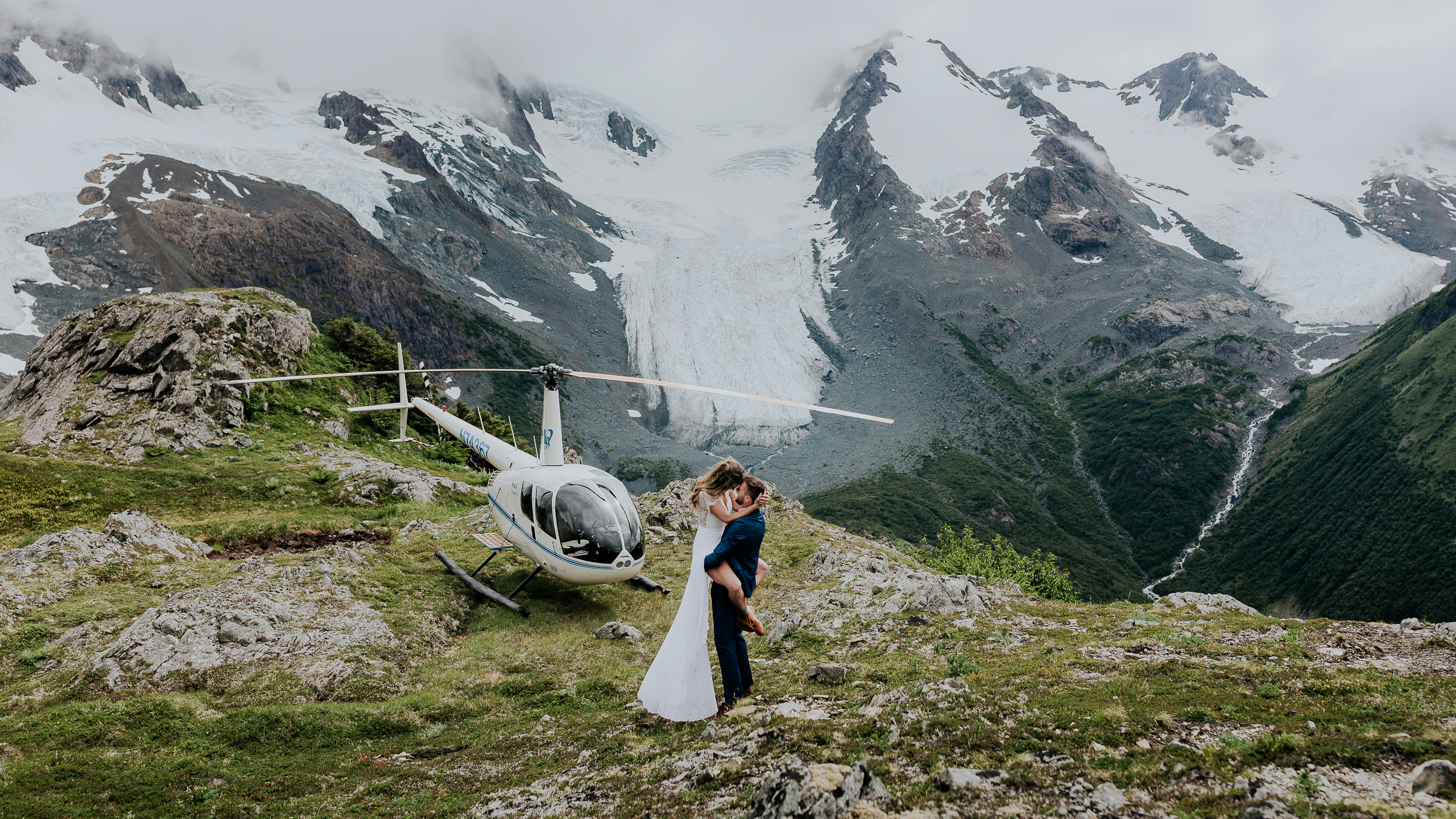 alaska helicopter wedding elopement photorgapher