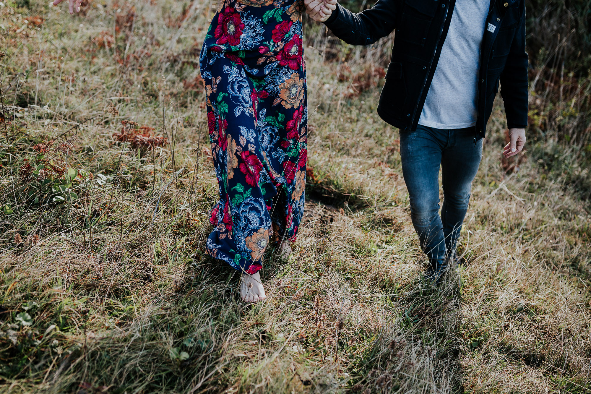 barefoot oregon engagement photos