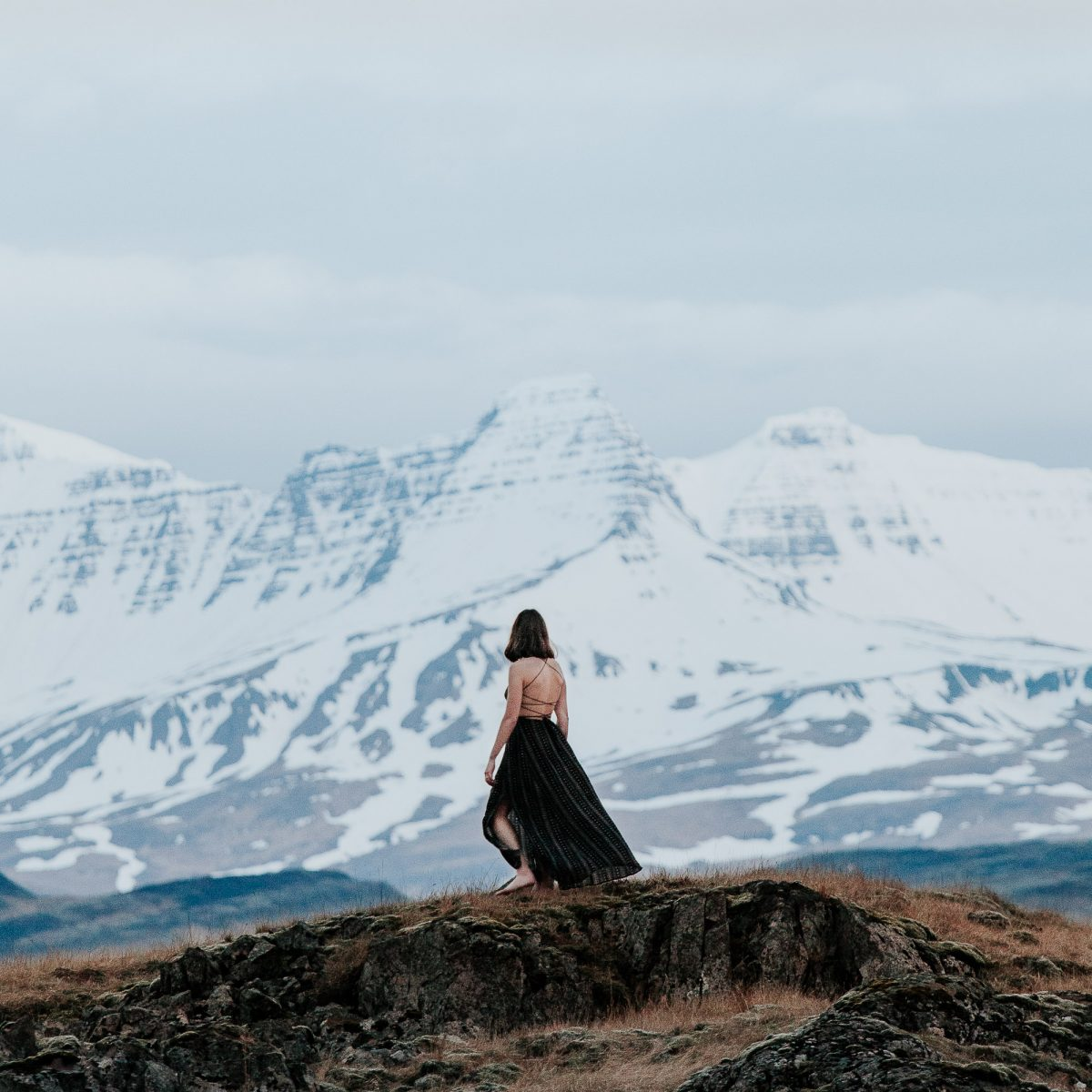 iceland elopement photographer blue lagoon ice