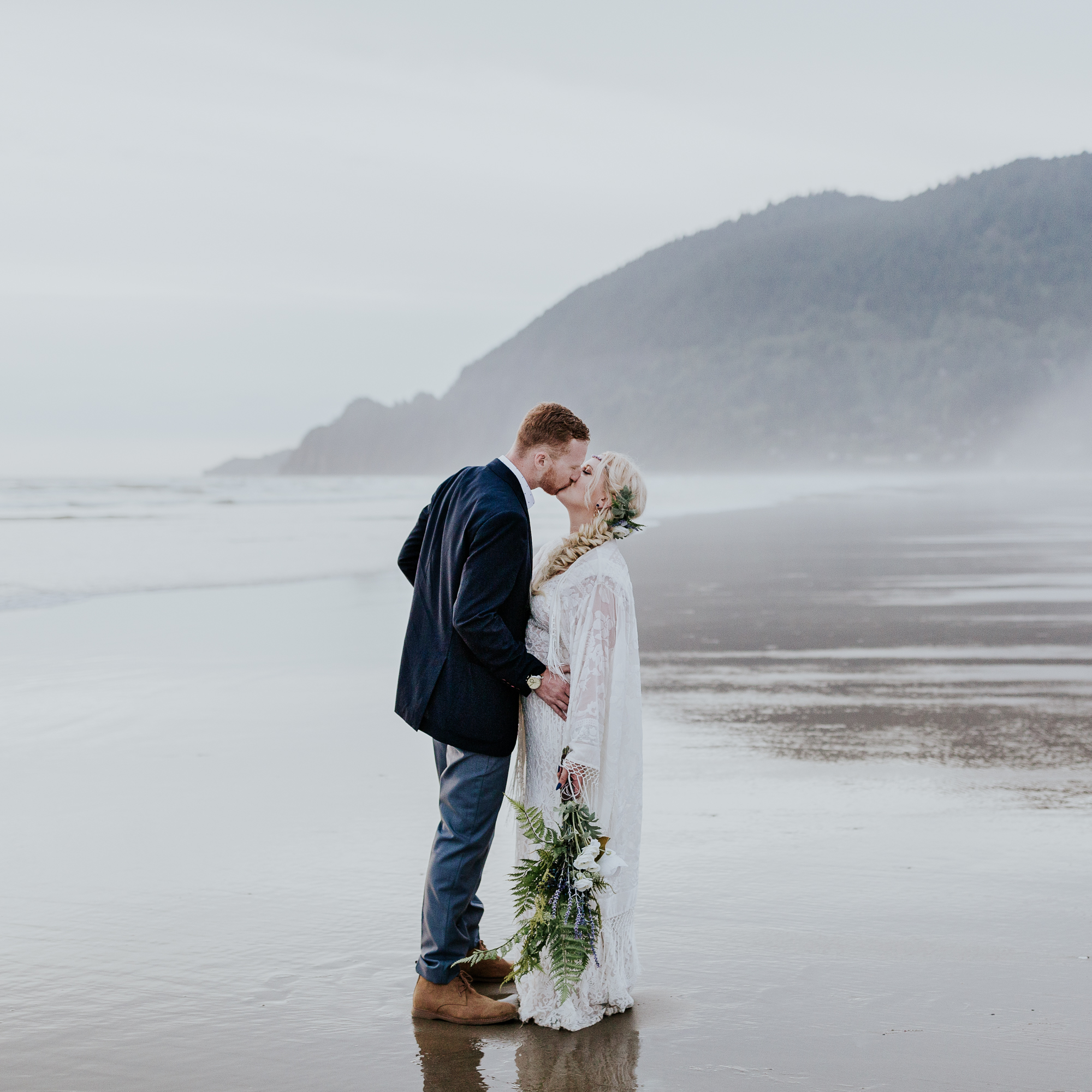 intimate manzanita oregon coast wedding photographer elopement adventurous hiking emily hary