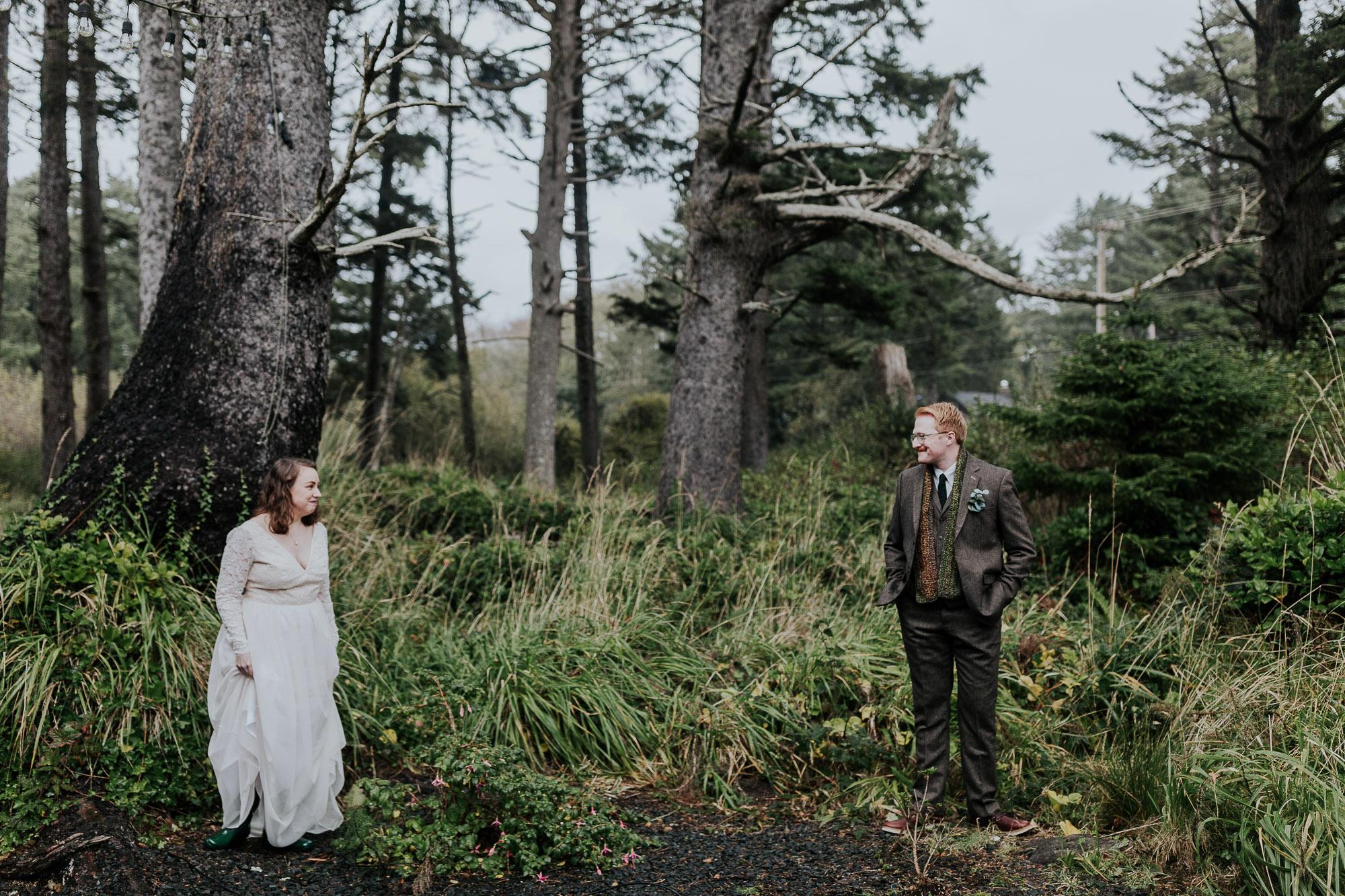 intimate oregon wedding cannon beach photographer