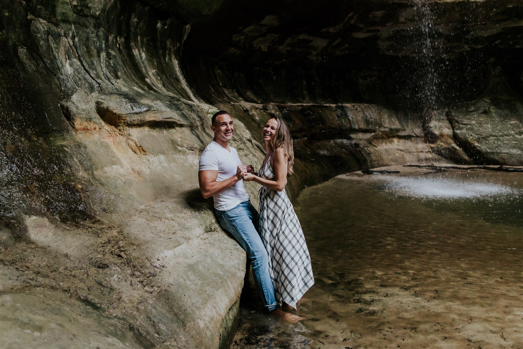midwest engagement photographer waterfall