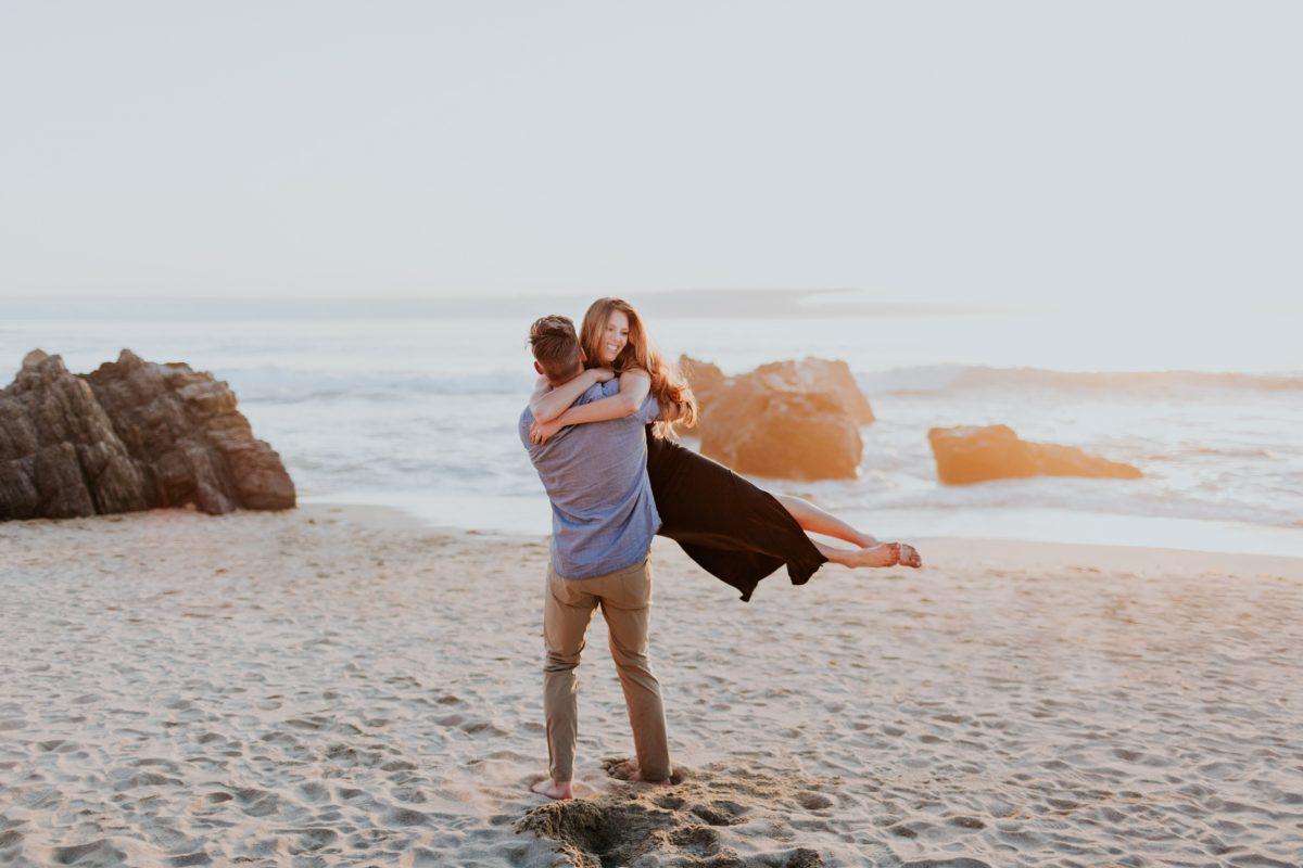 big sur honeymoon california midwest wedding elopement photographer adventure elopement hiking destination