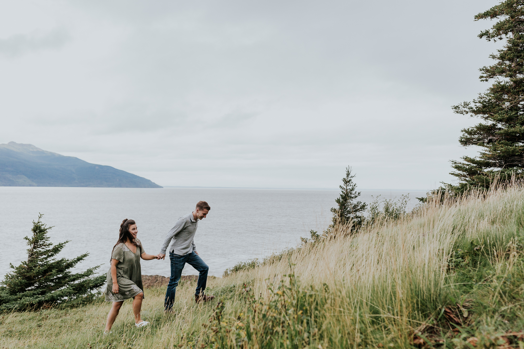 mountain alaska engagement alaska elopement photographer adventurous wedding photographer alaskan photographer midwest elopement photographer