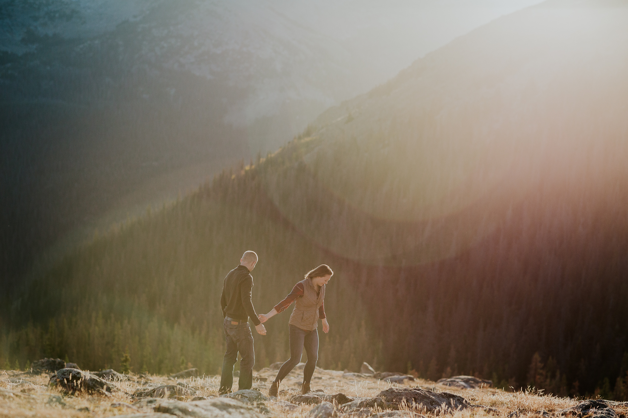 rocky mountain national park hiking engagement colorado elopement photographer adventurous engagement emily hary