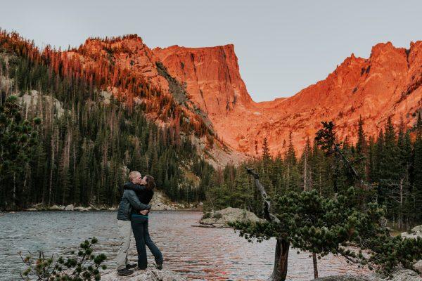 rocky mountain national park hiking engagement colorado elopement photographer adventurous engagement emily hary
