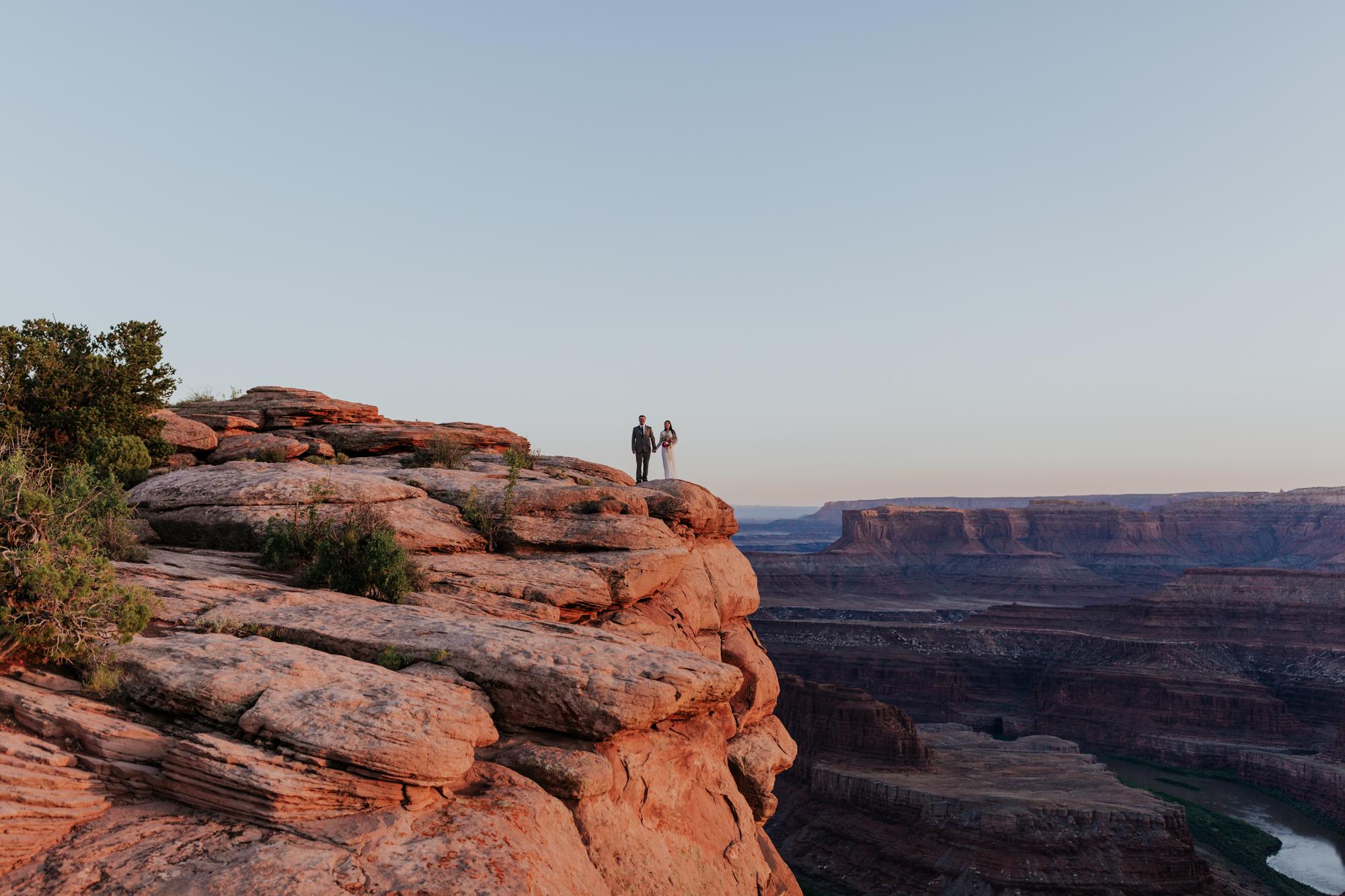 scenic moab utah elopement photographer adventure elopement hiking outdoor elopement outdoor wedding photographer midwest
