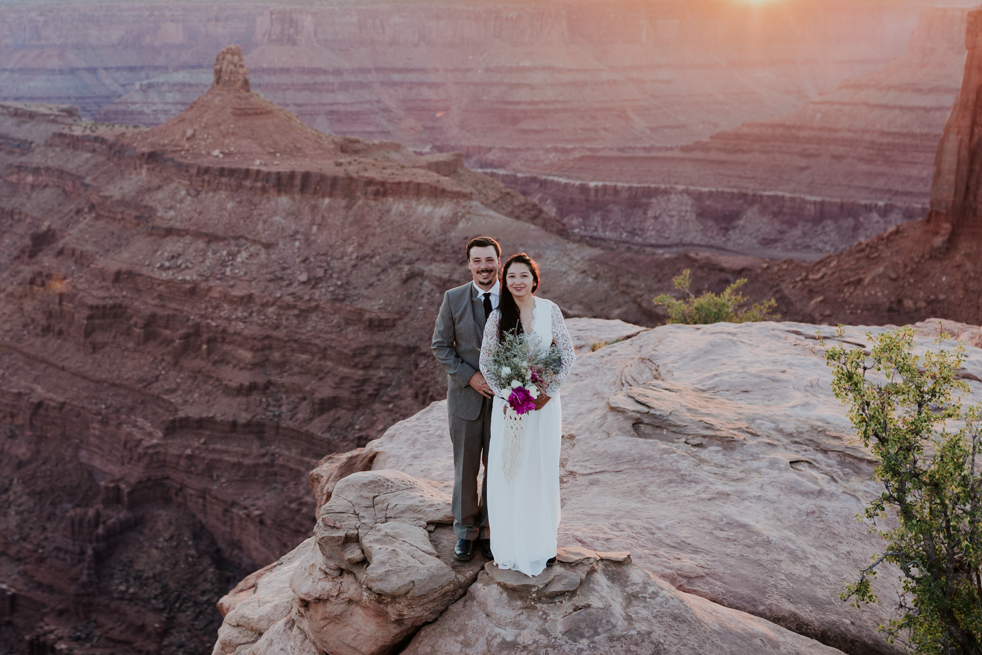scenic moab utah elopement photographer adventure elopement hiking outdoor elopement outdoor wedding photographer midwest