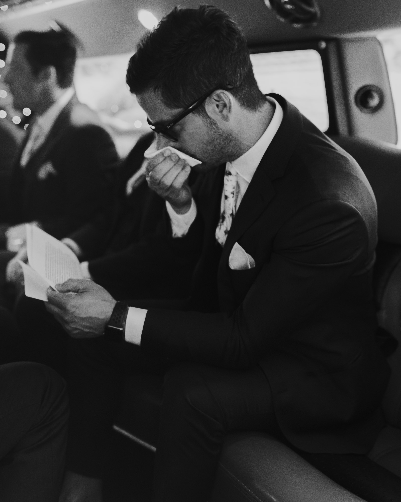 southern oregon wedding photographer groom emotional reading letter