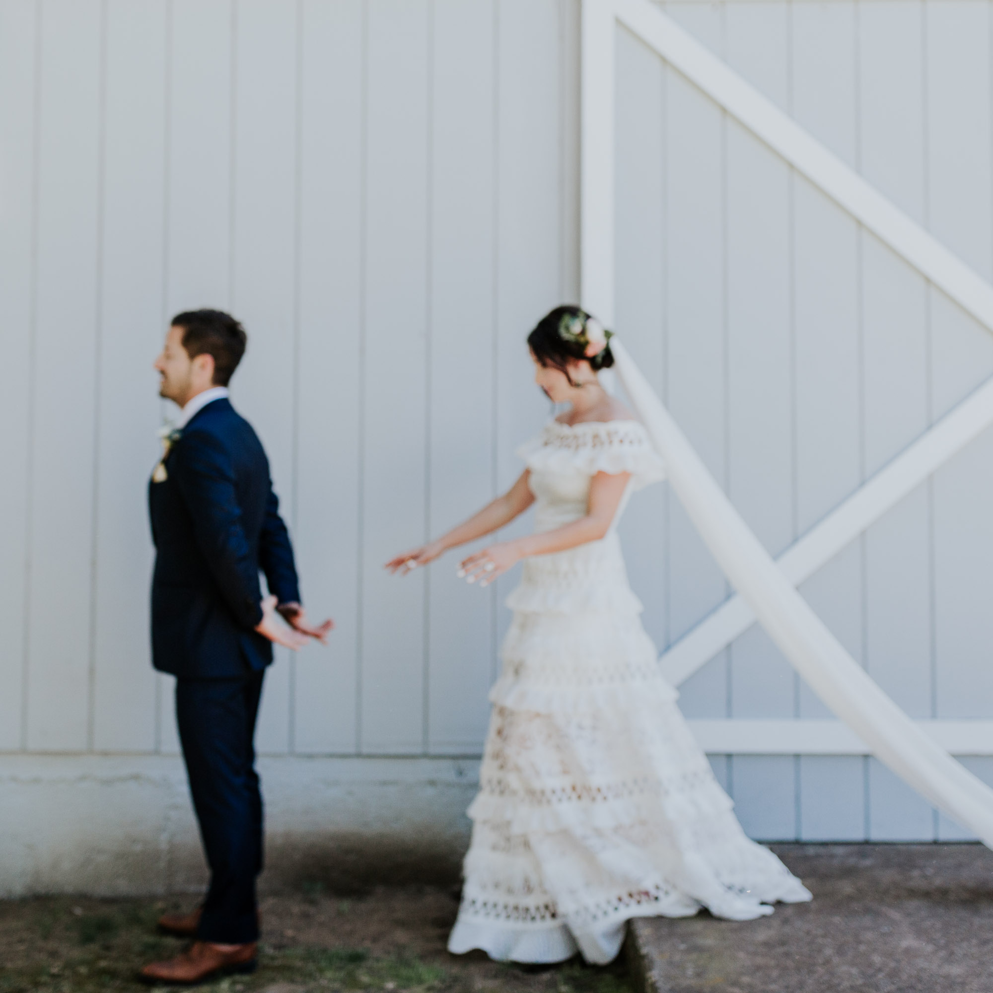 southern oregon wedding photographer first look