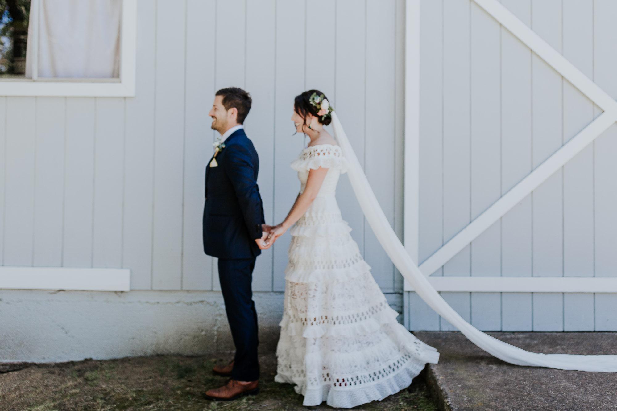 southern oregon backyard wedding venues first look