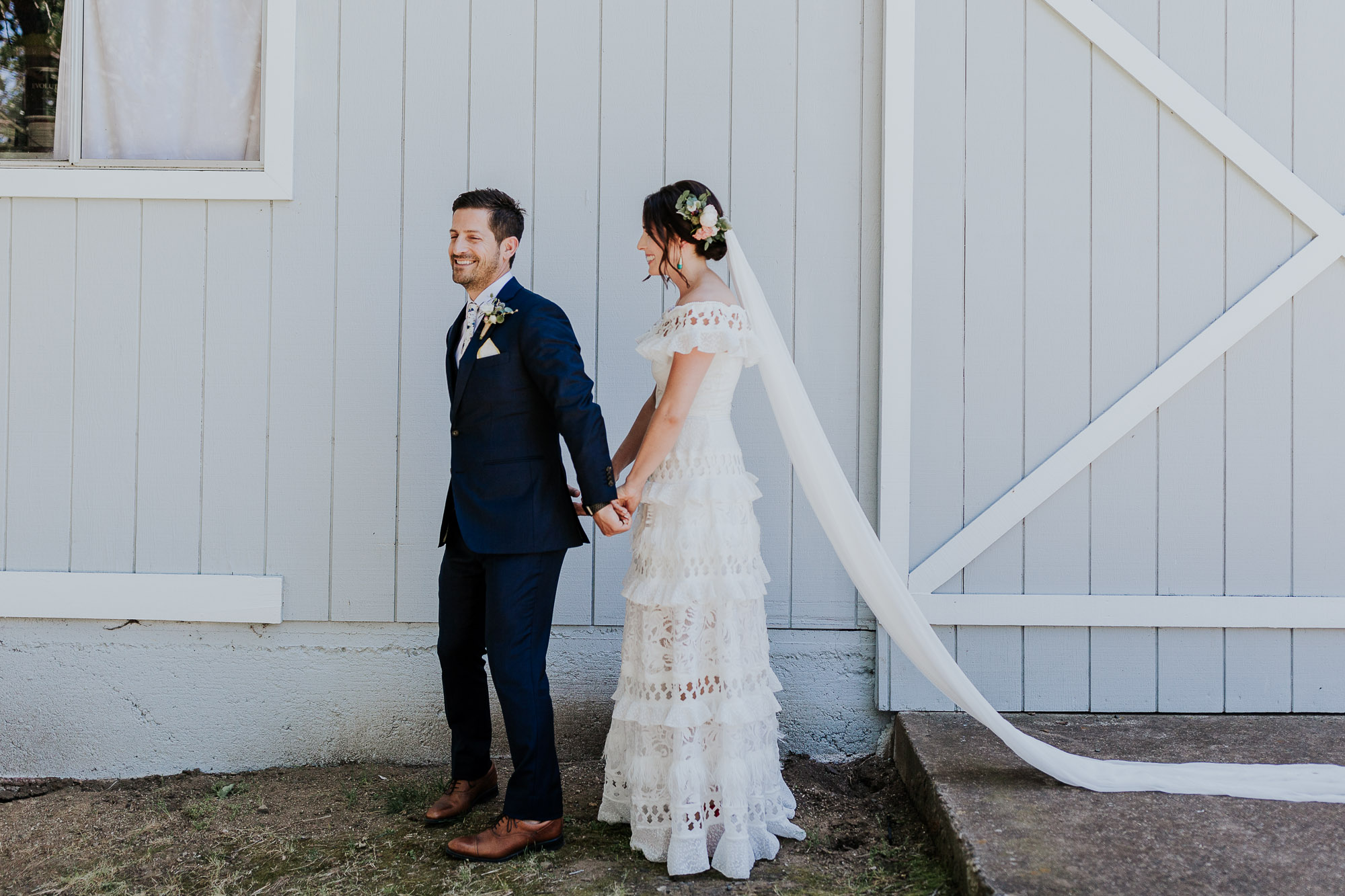 first look oregon wedding photographer