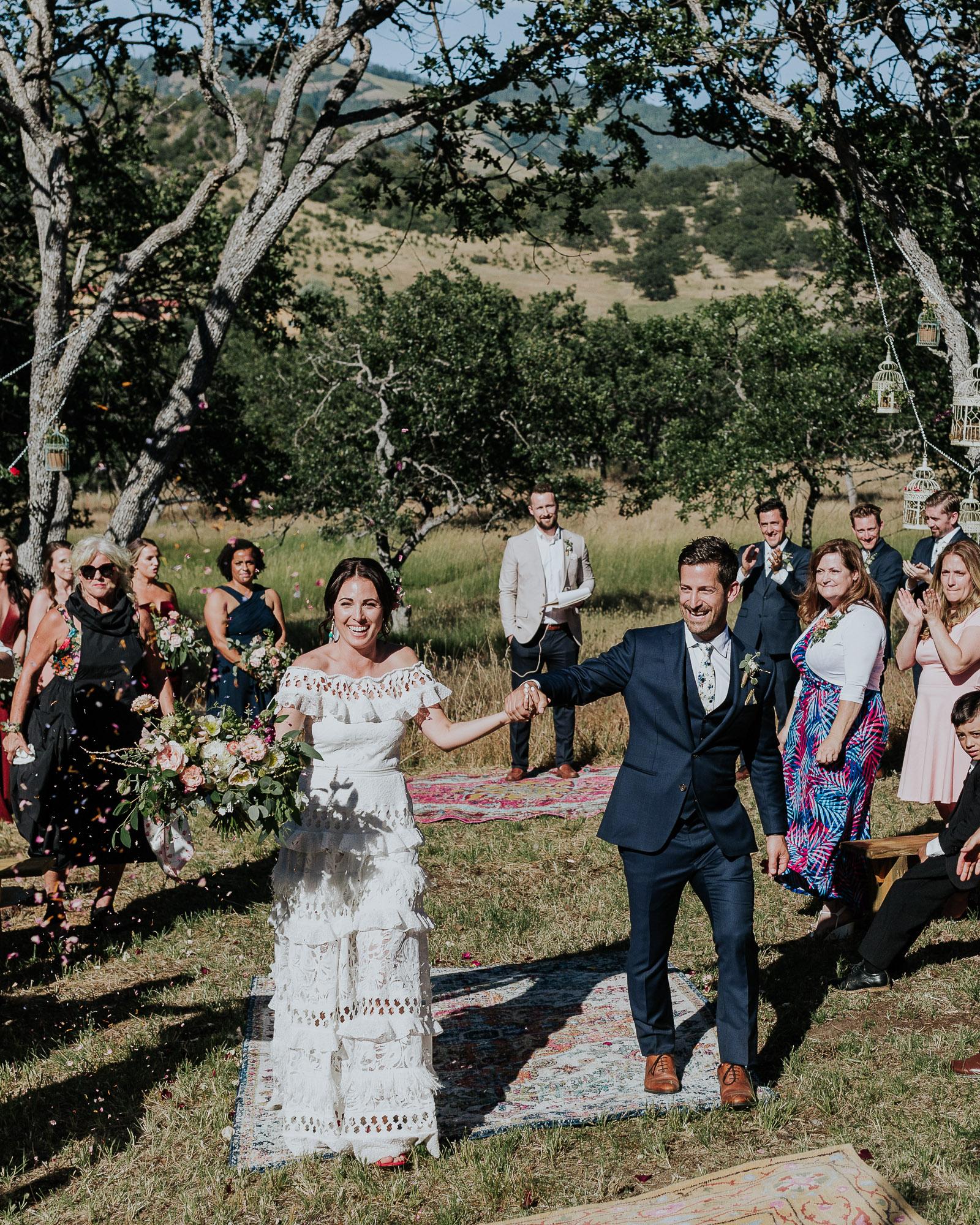 confetti exit wedding outdoor oregon