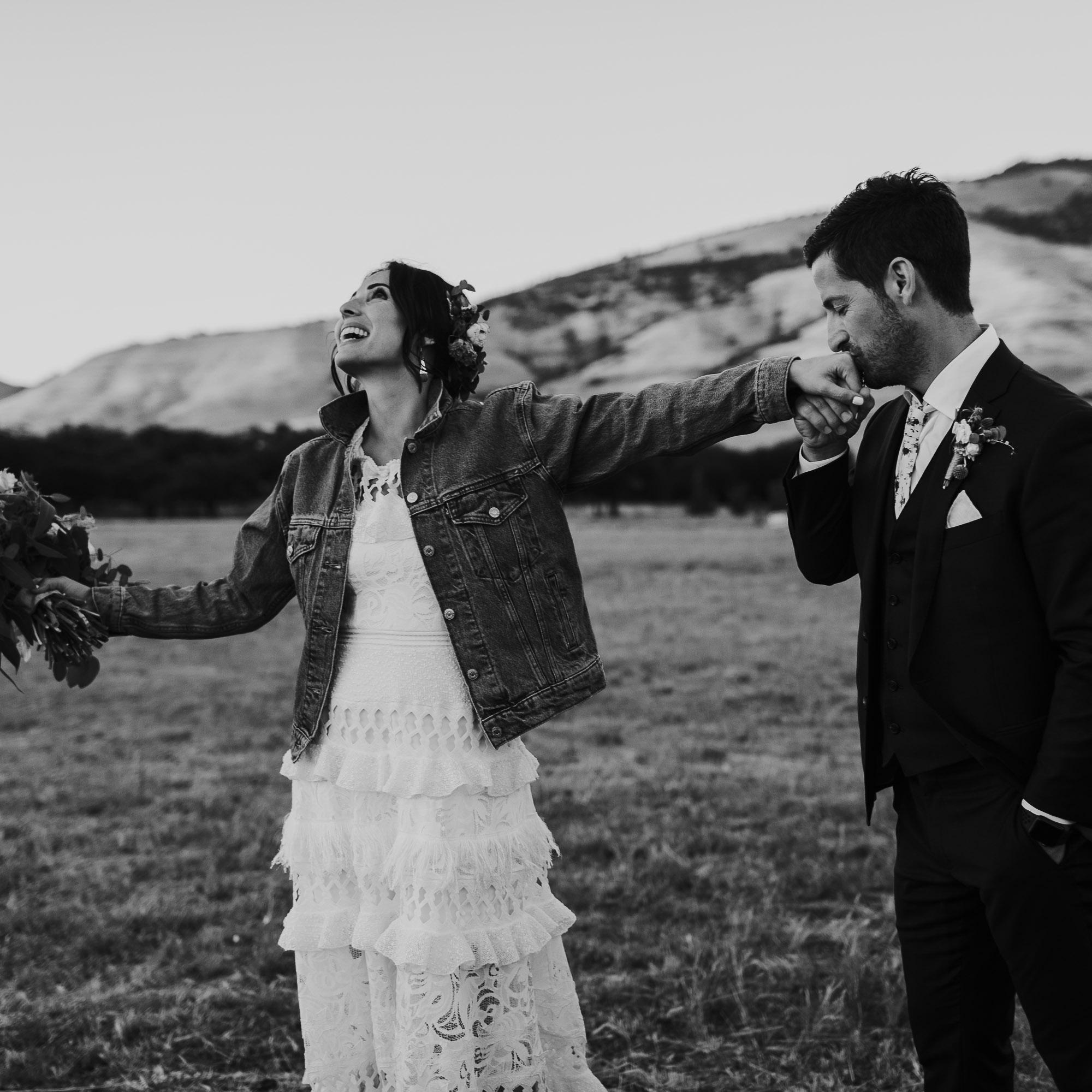 southern oregon wedding photographer emotion