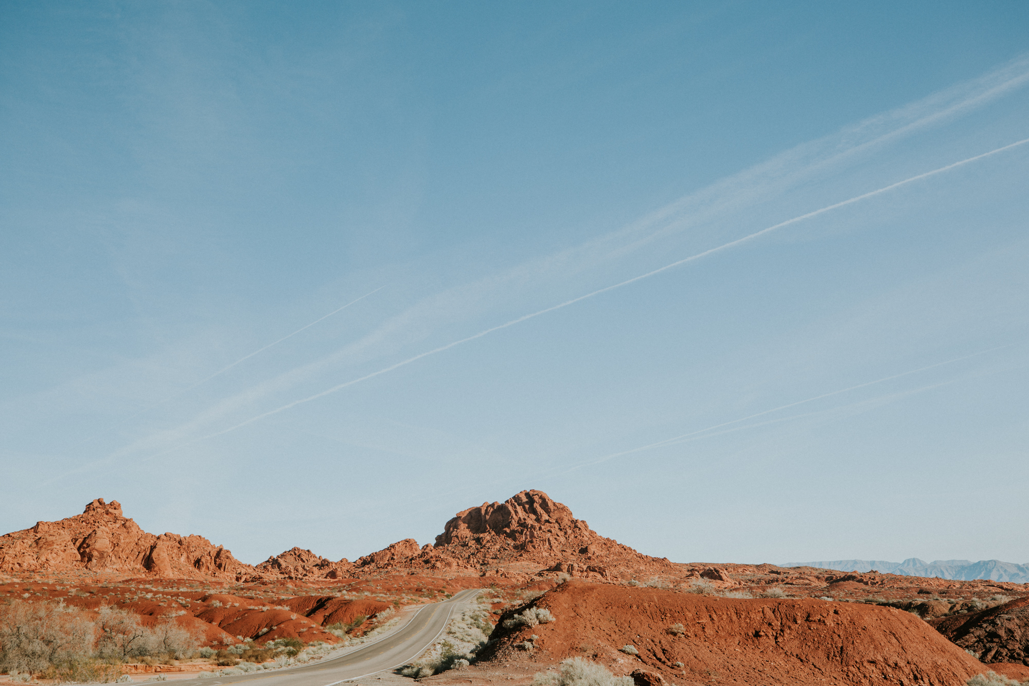 travel southwest road trip adventure desert joshua tree destination photographer elopement natural light photography emily hary photography california